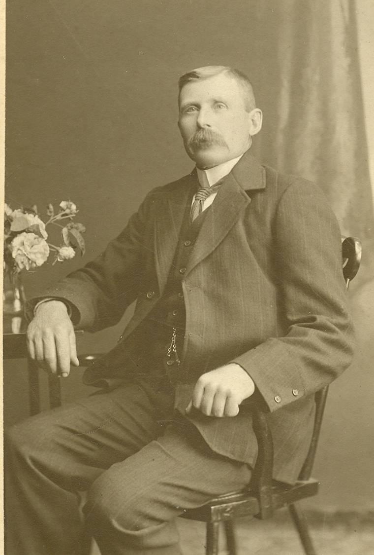 Hugh-Fraser-senior