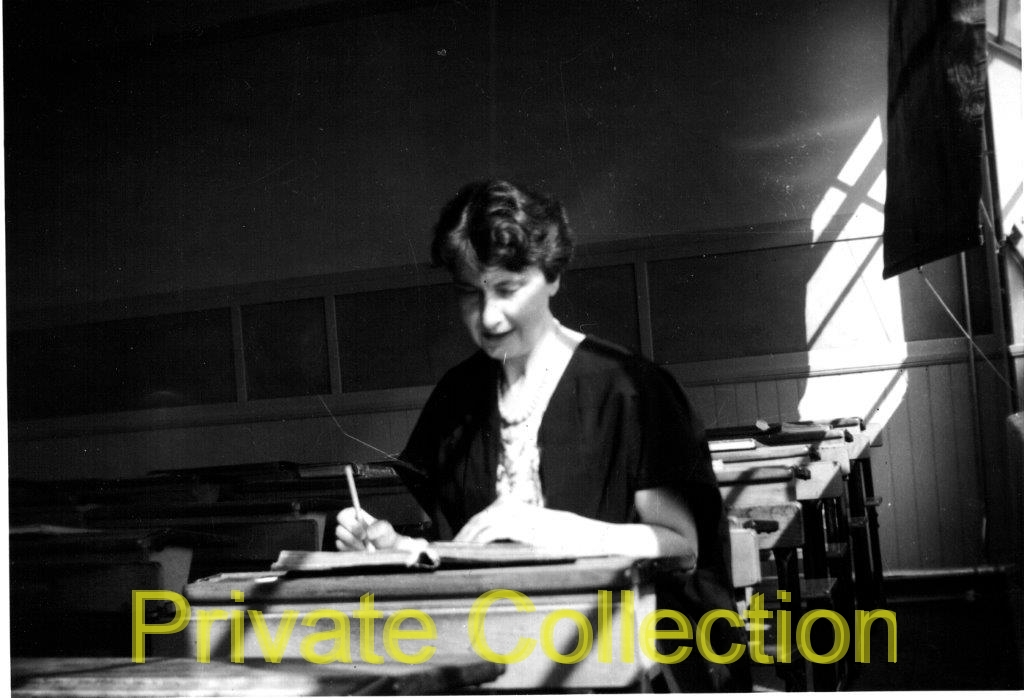 HD-1958-or-1959-Morag-MacInnes-teaching-High-School