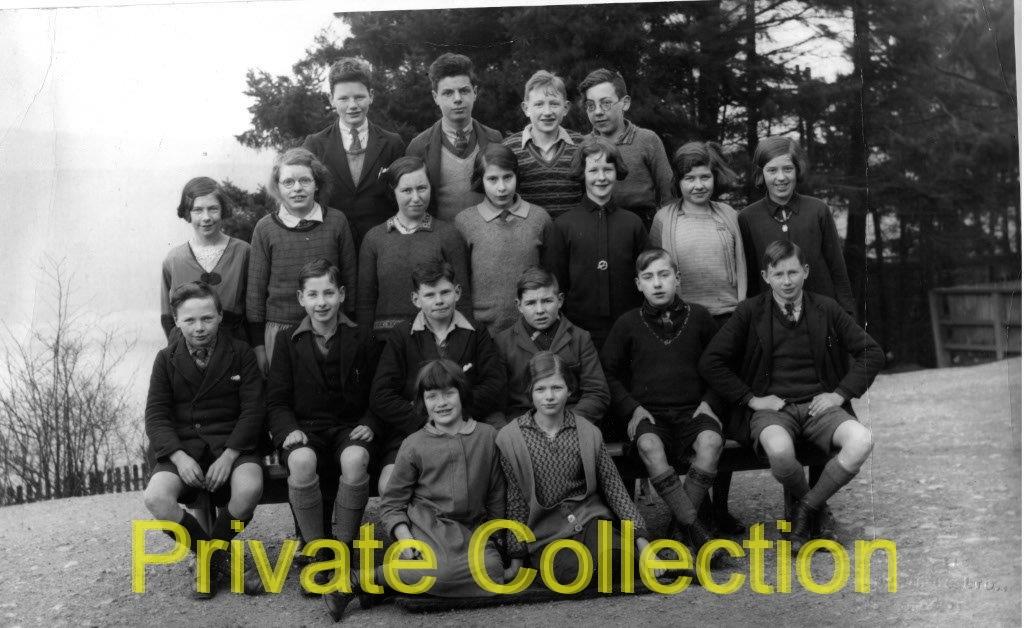 HD-Foyers-school-late-20s-early-30s