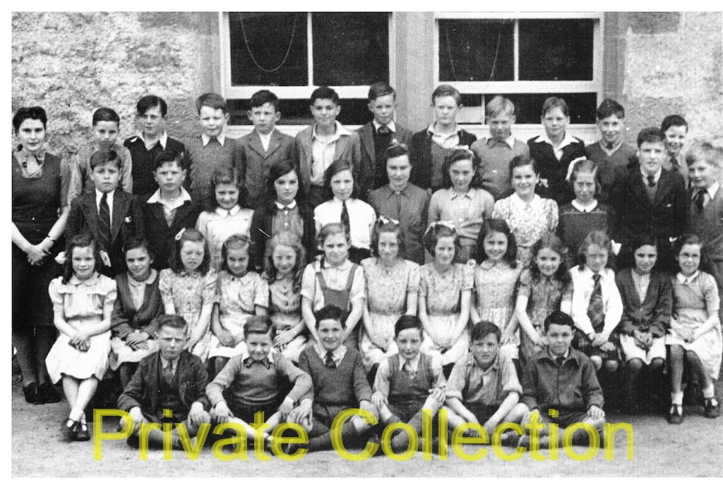 HD-Morag-Macinnes-and-school-children